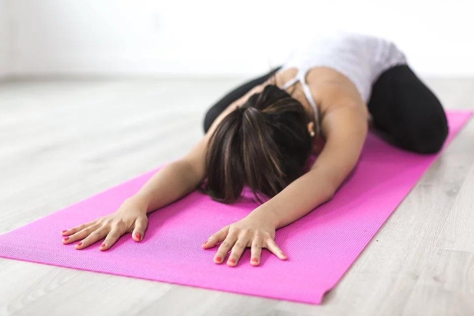 Co daje joga i kto może ją ćwiczyć? Wpływ jogi na sylwetkę i inne efekty!